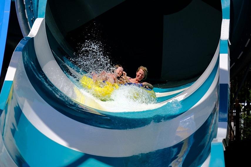 diversión parque acuático