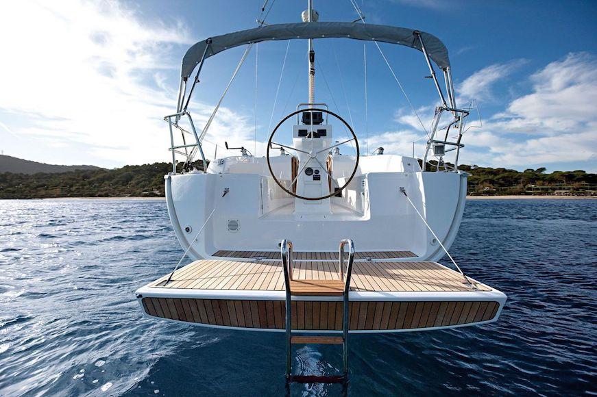 navegando en barco de vela vacaciones en el mar bavaria 36 vacaciones en familia