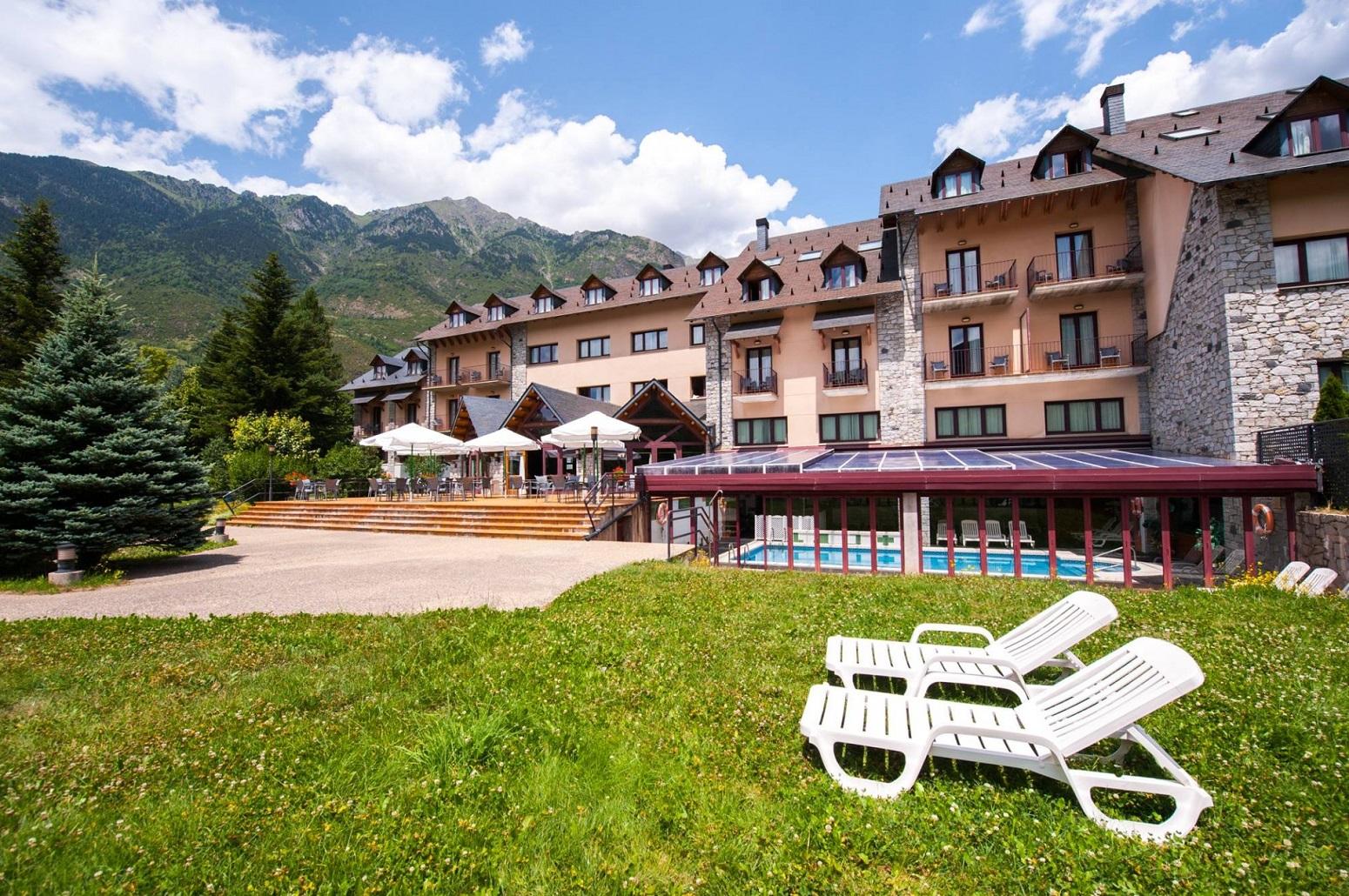 hotel sommos benasque pirineos viajar con niños