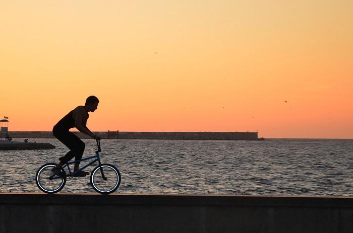cyclist 2221487 1280