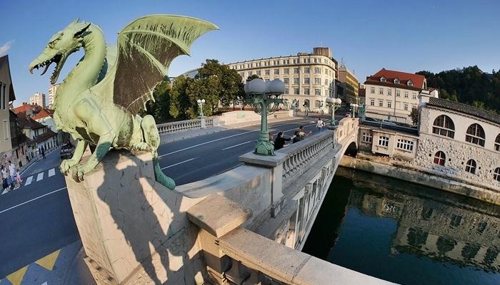 vacaciones en familia tierra dragones eslovenia