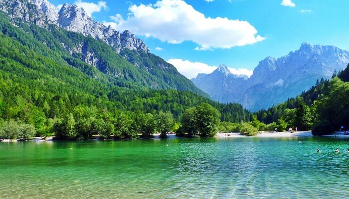 vacaciones para hijos tierra dragones eslovenia
