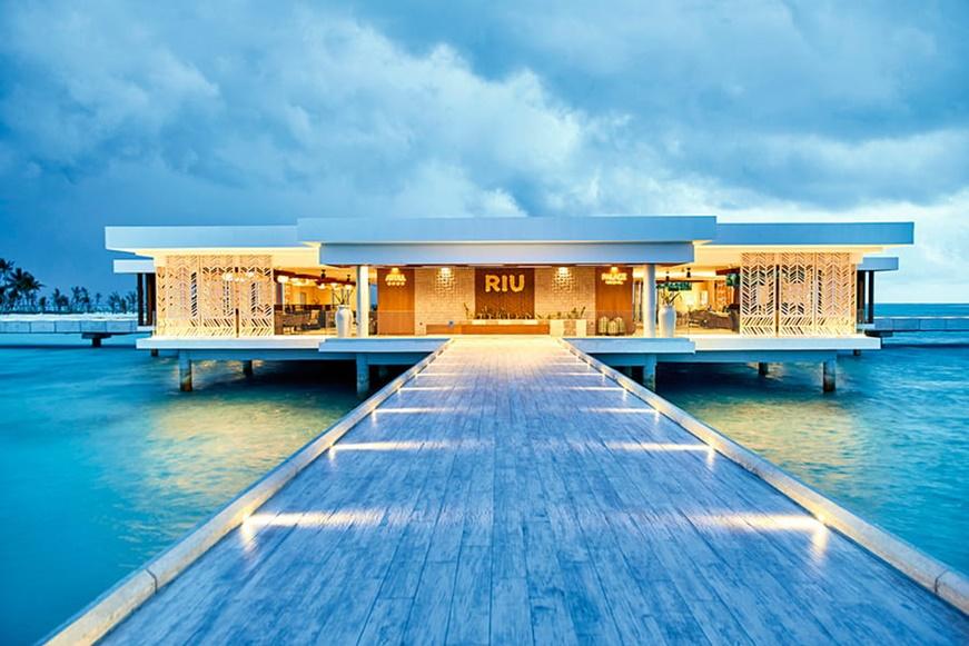 maldivas hotel riu atoll vacaciones niños